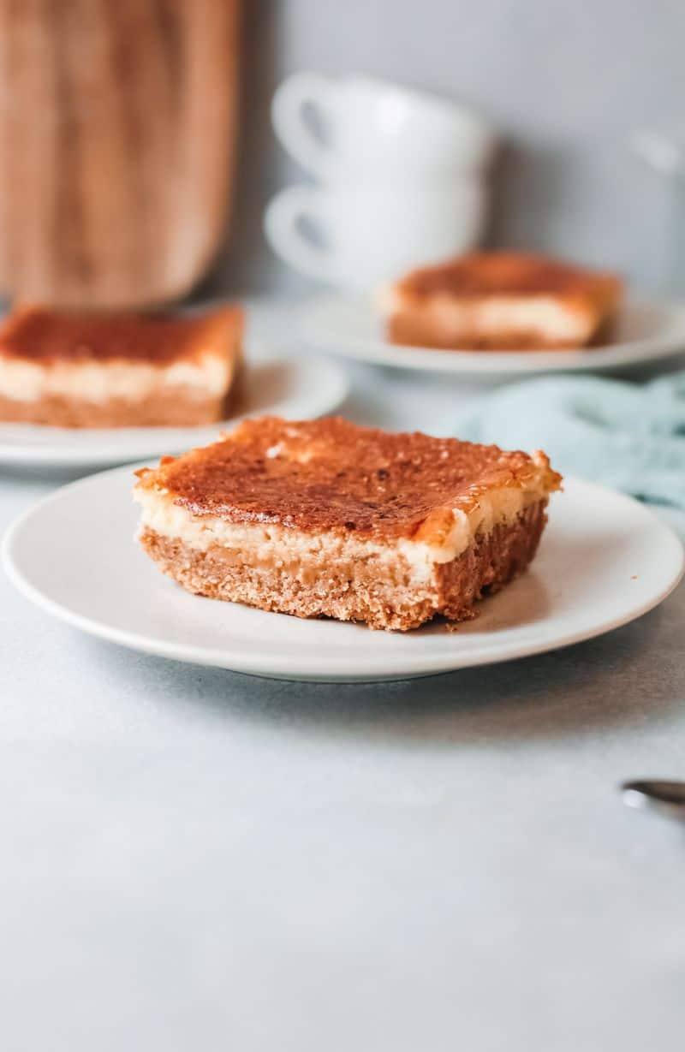 coffee cheesecake slice on plate